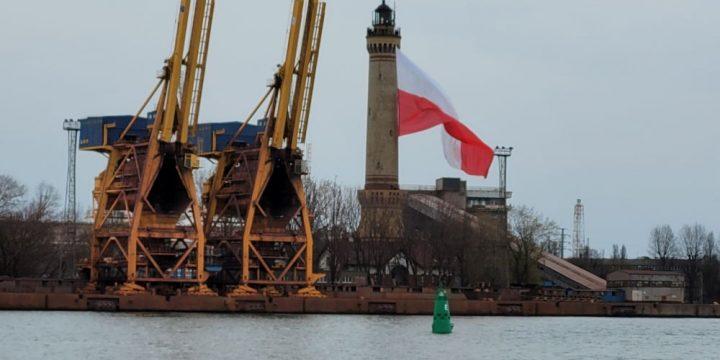 2 maja załopotała w Świnoujściu największa flaga na świecie
